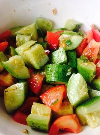 西红柿拌黄瓜的做法