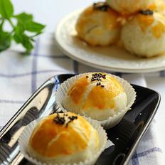 美味蛋黄酥月饼