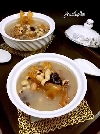 红枣花生眉豆猪脚筋汤的做法