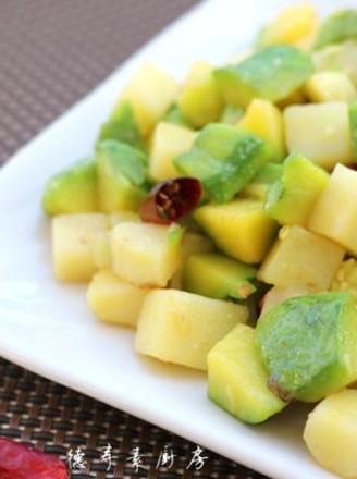 姜柄瓜焖土豆的做法