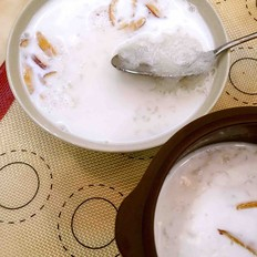 椰奶炖燕窝