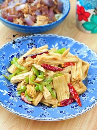 尖椒炒腐竹的做法