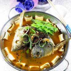 香辣鱼头豆腐火锅