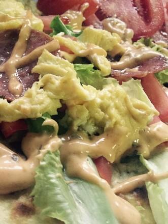 葱油饼沙拉配果汁 香蕉混酸奶的做法