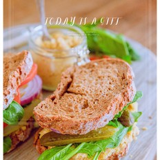 鹰嘴豆素食三明治