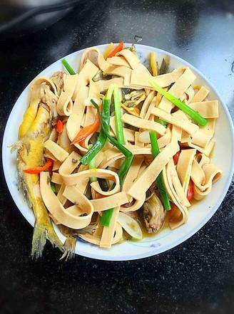黄骨鱼煮干豆腐的做法