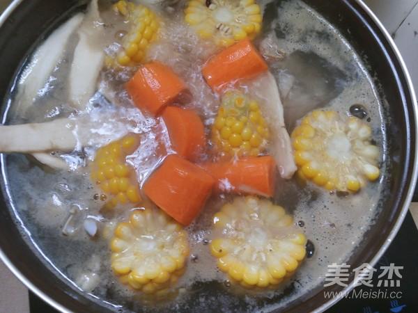步骤萝卜淮山做法排骨汤的牛腩【薏米图】_菜沙煲做法的玉米图片