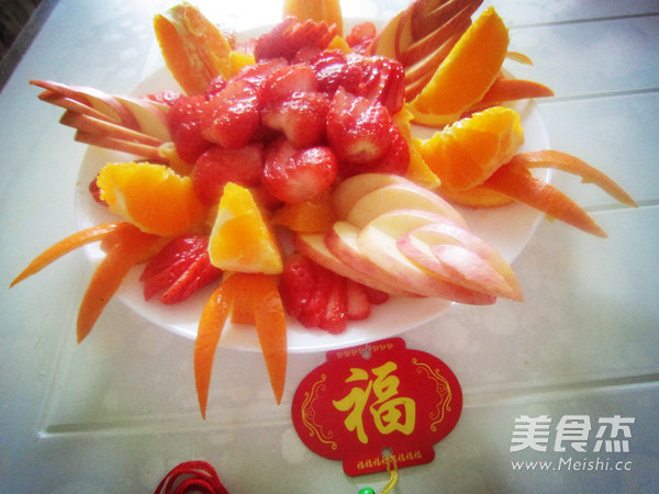 水果拼盘闹新春的做法