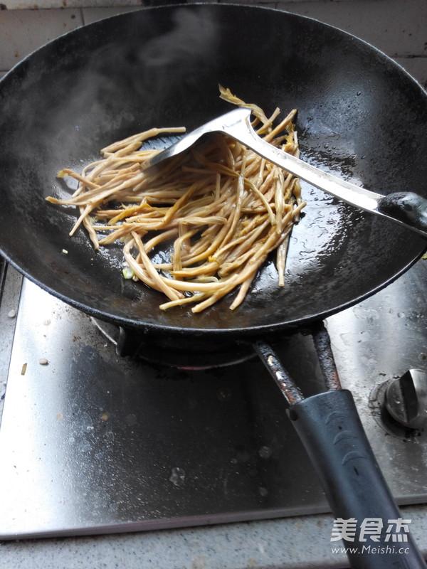 干黄花菜鸡蛋汤_图片黄花菜汤的家常做法干黄花菜的做法黄花