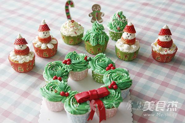 圣诞节海绵纸杯蛋糕的做法