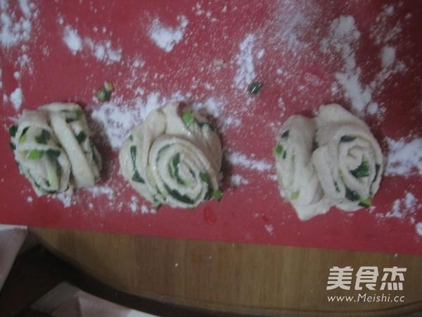 豆渣椒盐花卷的做法图解