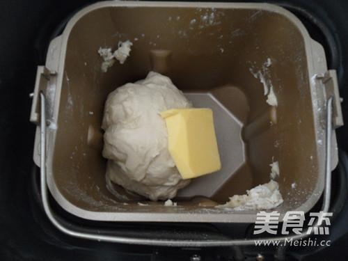 野葱香肠面包的做法【步骤图】_菜谱_美食杰