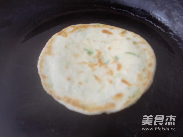 葱香油盐发面饼的做法 家常葱香油盐发面饼的做法 葱香油盐发面饼的图片