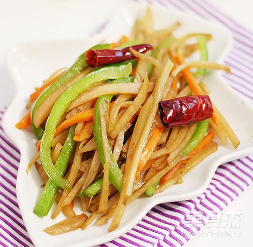 小咸菜-炒腊菜疙瘩丝的做法_家常小咸菜-炒腊