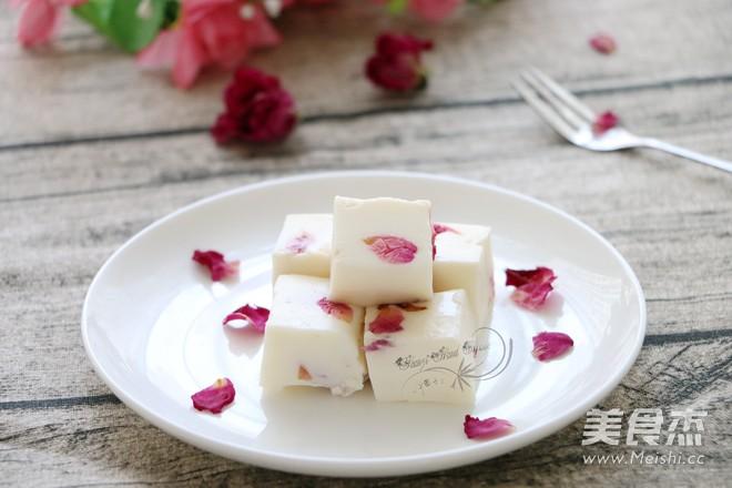 玫瑰牛奶小方的做法_家常玫瑰牛奶小方的做法