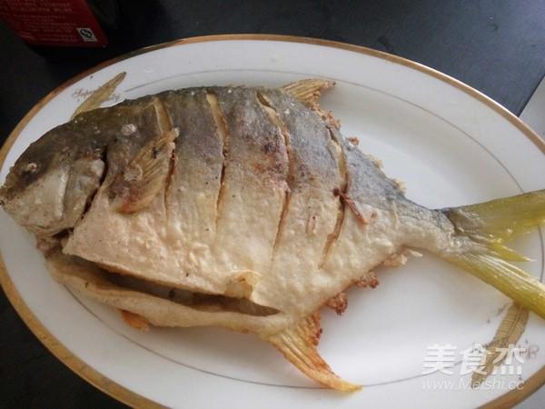 红烧金鲳鱼的做法【美食图】_鲈鱼_步骤杰菜谱肝功能异常可以吃乙肝吗图片