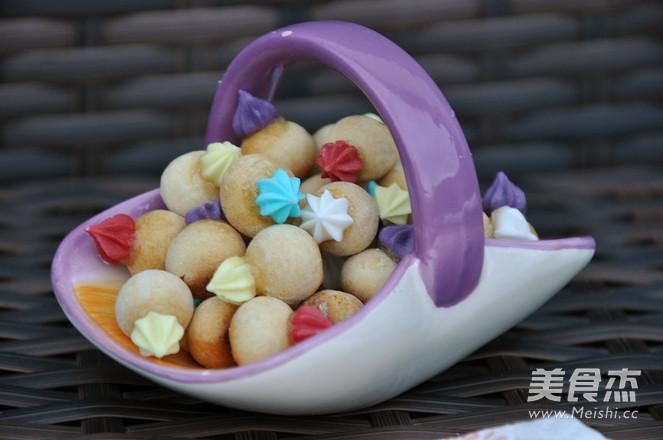 彩糖粘花小饼干的做法_家常彩糖粘花小饼干的做法【图】