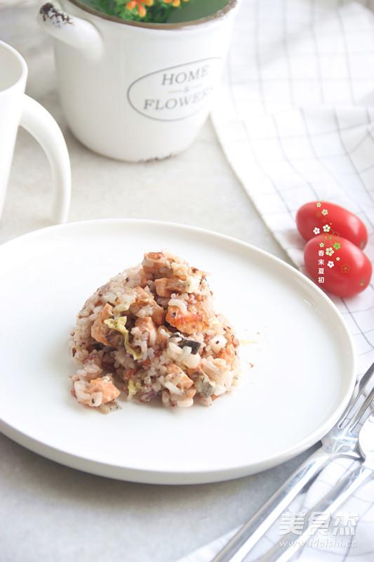 饭变身美味黑椒三文鱼焖饭的做法 菜谱