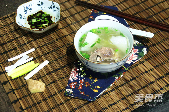 白萝卜清炖羊蝎子(高压锅版)的胡椒_家常白萝做法羊肚汤的营养图片