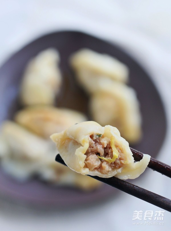 肉馅猪家常饺子的白菜_鲍鱼白菜猪肉馅做法的梦见在海边捡饺子图片