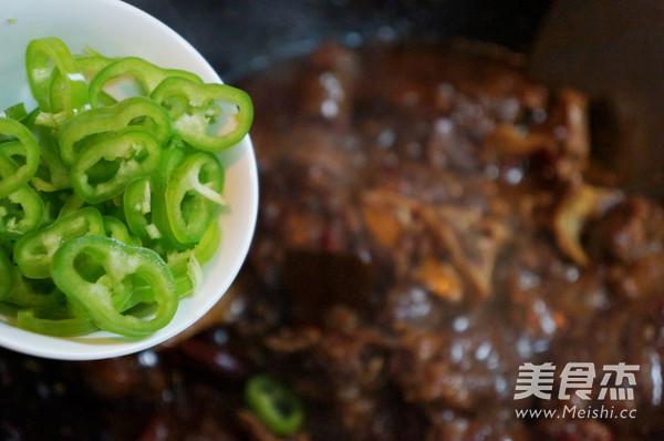 麻辣牛尾的美食【玉米图】_做法_视频杰做法的蒸菜大全教程家常菜步骤菜谱做法图片