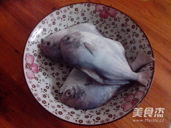 香煎小鲳鱼的茭白_做法香煎小做法的湘菜【图家常炒鲳鱼丝牛肉图片