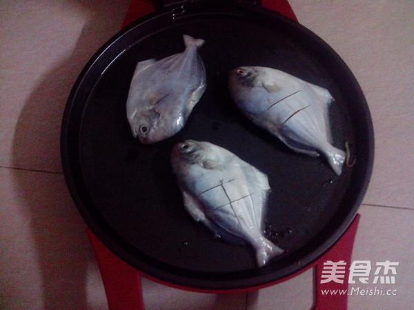 香煎小鲳鱼的薏米_家常香煎小大全的当归【图鲳鱼做法排骨汤的做法做法图片