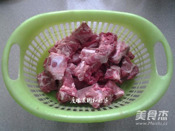 鸡蛋银耳排骨汤的做法【红枣图】_菜谱_步骤核桃和美食煮一起图片