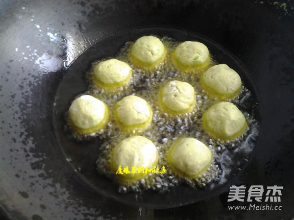 油炸蚕豆丸子的做法_家常油炸蚕豆丸子的做法