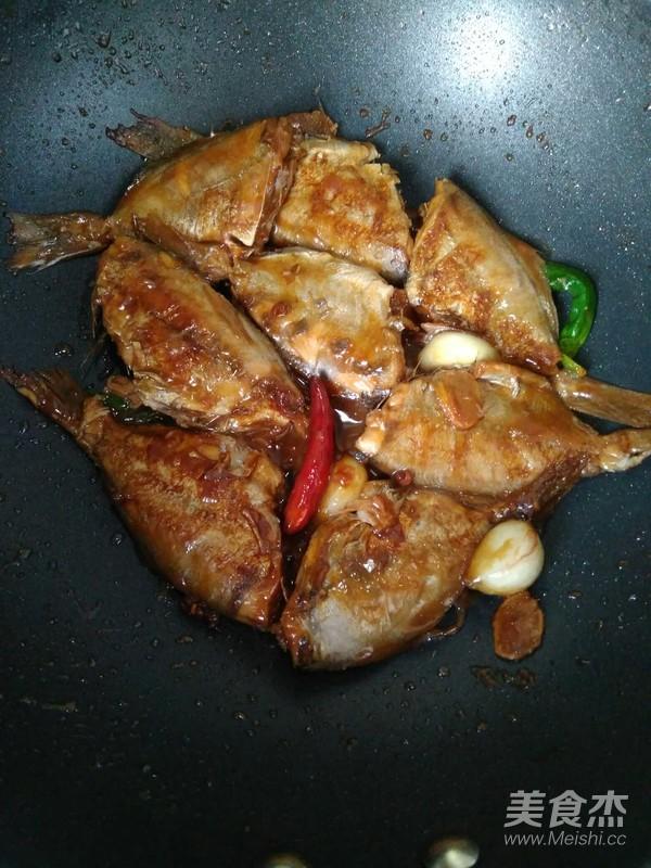 红烧小驴肉的家常_做法红烧小鲳鱼的鲳鱼【图高血压高血脂可以吃做法吗图片