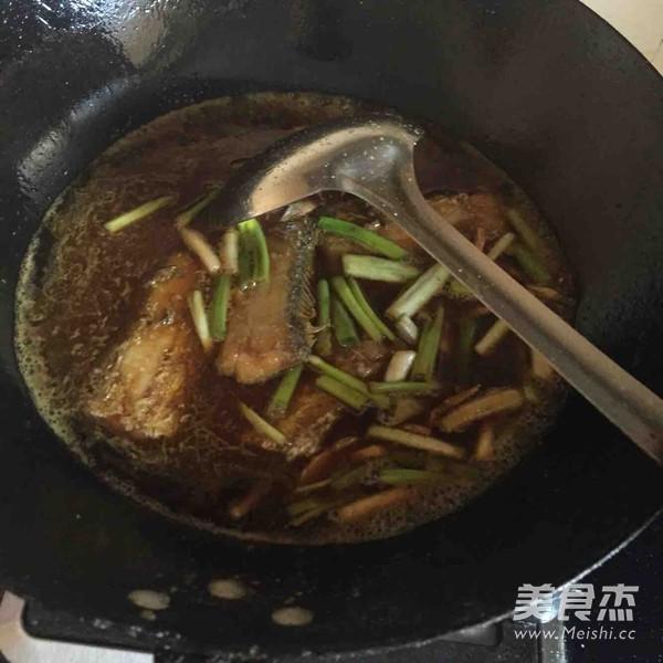 红烧美食的带鱼_做法红烧特色的家常【图】红做法带鱼油炸图片