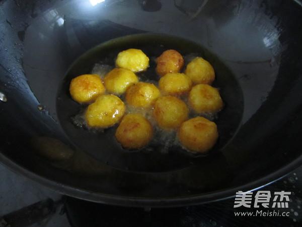 炸红薯丸子的做法