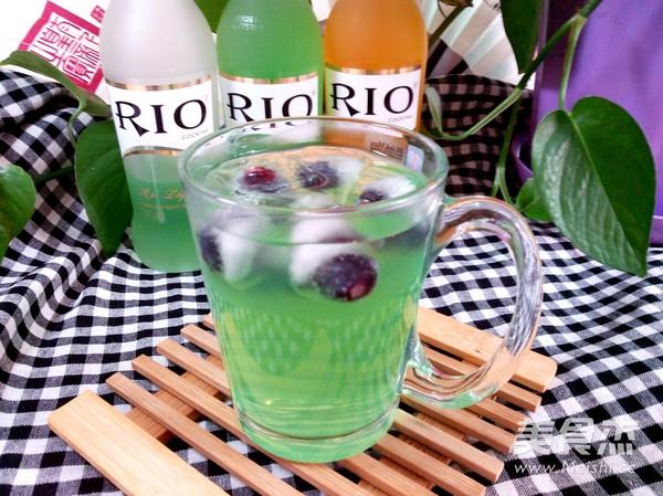 RIO 蓝莓鸡尾酒冰饮的做法 家常 RIO 蓝莓鸡尾酒冰饮的做法 RIO 蓝莓图片