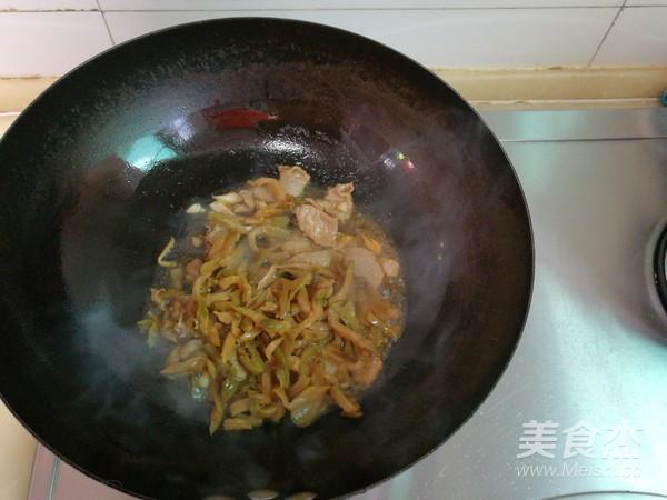 榨菜毛豆玉米粒炒肉的做法【步骤图】_菜谱_双眼皮手术能吃榨菜吗图片