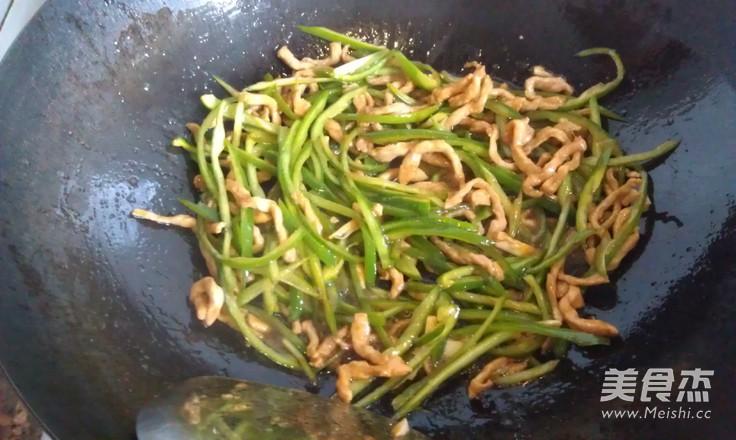 肉丝面的拌青椒图片_美食面的肉丝拌青椒做法家常大全做法装饰品图片