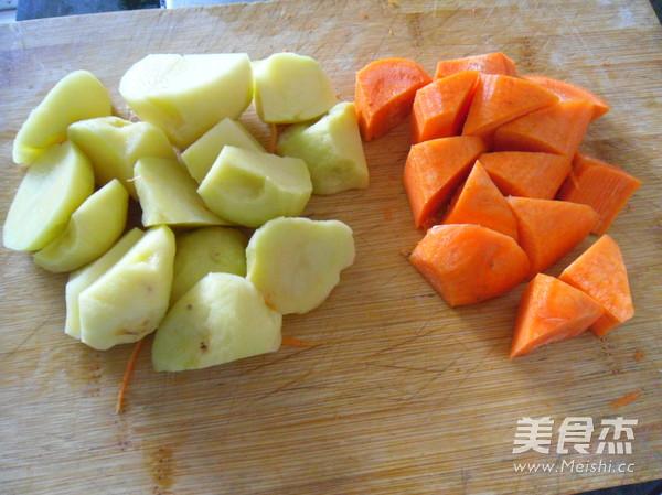 胡萝卜洗净切块