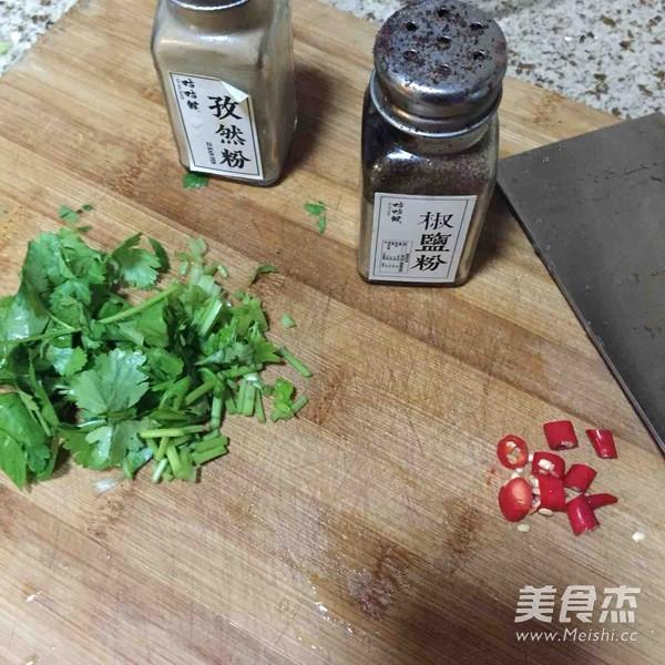 椒盐小溪鱼_椒盐小溪鱼炸溪哥食谱、作法爱料理