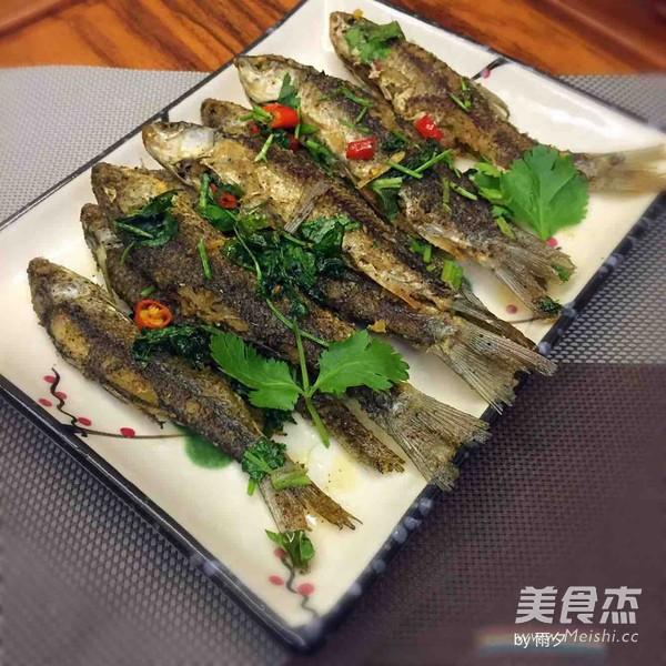 椒盐小溪鱼_