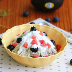 牛油果蓝莓土豆泥