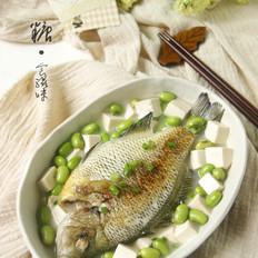 妈妈的味道【毛豆豆腐炖鱼】
