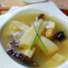 竹荪干贝味噌汤